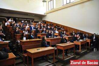 """Colegiul """"Ferdinand I"""" din Bacau aniverseaza 150 de ani cu YoungCoderCamp, un concurs de informatica cu 100 de participanti"""
