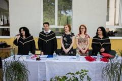 Colegiul National *Dimitrie Cantemir* la pragul absolvirii primei promotii de gimnaziu