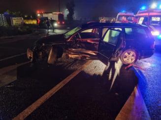 Coliziune între două autoturisme şi o autocisternă, într-un accident pe A2 Bucureşti - Constanţa