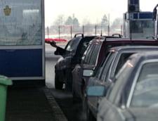 Coloane uriase de masini la vama Nadlac - alte variante pentru turistii care ies din tara (Video)