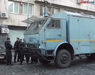 Colonelul din Jandarmerie care de 6 ani se ocupa cu camataria a fost arestat preventiv: Ce dobanzi percepea si cati bani s-au gasit la el in birou