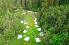 Colt de rai nascut din viziunea unui economist: Mi-a luat cativa ani sa gasesc terenul potrivit pentru a crea un astfel de loc #Interviu Camping Fain