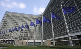 Comisia Europeana va propune o tinta de vaccinare de cel putin 70% din populatie pana la vara. Controversa certificatelor de vaccinare