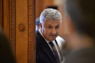 "Comisia Iordache face pauza pana luni, timp in care aduna amendamente ""care curata Parlamentul de dosare"""