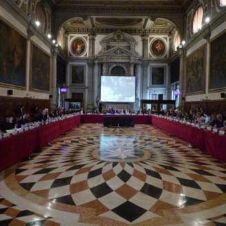 Comisia de la Venetia, raspuns surpriza pentru CCR (Surse)