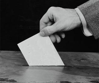 Comisia electorala: Vom avea vot mixt la parlamentare. USL si PDL, pentru uninominal