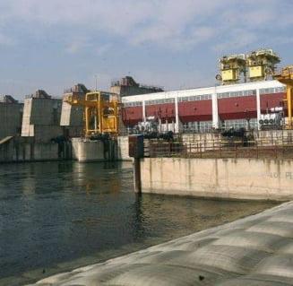 Comisioane de milioane de euro la Hidroelectrica si Oltchim