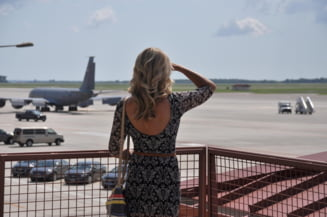 Companiile aeriene, afectate grav de pandemie, preseaza guvernele sa inlocuiasca masura carantinei cu testarea rapida, in aeroporturi