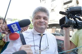 Complicii lui Secureanu vor sa plateasca prejudiciul pentru a primi o pedeapsa mai mica