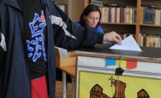 Comunistii, favoriti la alegerile parlamentare din Moldova - sondaje