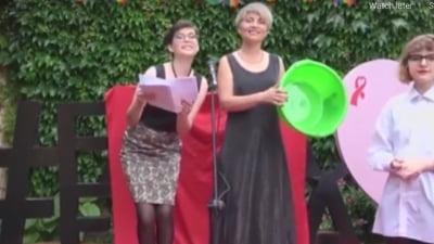 Comunitatea LGBT din Republica Moldova a desemnat catigatorii anti-premiilor pentru glume homofobe. Ce cadouri au pregatit organizatorii VIDEO