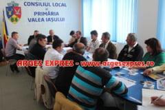 Comunitatea locala din Valea Iasului isi onoreaza cetatenii
