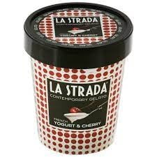 """Conținut de oxid de etilenă peste limită descoperit în înghețata """"La strada"""" de căpșuni. Sortimentele au fost retrase din mai multe magazine"""