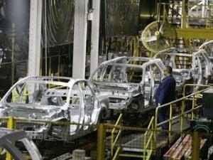 Concedieri masive la fabricile de masini din Europa