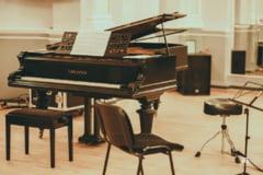 Concert din singuratatea unei camere - live pe Facebook