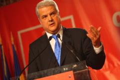 Condamnatul Nastase renaste noul PSD (Opinii)