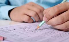 Conditiile speciale in care elevii din clasele terminale vor face pregatire si vor da examenele. Temperatura maxima acceptata - 37,3 grade