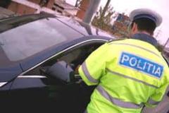 Conducea un autovehicul cu numere false. Dosar penal pentru TREI infractiuni