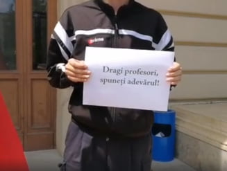 """Conducerea Universitatii """"Alexandru Ioan Cuza"""" din Iasi se delimiteaza de protestul studentilor la adresa lui Toader"""
