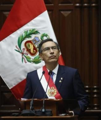 Conflict exploziv in Peru: Presedintele si Congresul s-au ... suspendat reciproc