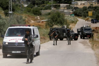 Confruntari violente intre politisti israelieni si protestatari palestinieni pe esplanada Moscheilor