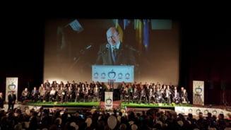 Congres la partidul lui Basescu: Vot unanim pentru obiectivul unirii Romaniei cu R. Moldova