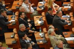 Consilierii care au profitat de ordonanta traseismului, la un pas de a-si pierde mandatul
