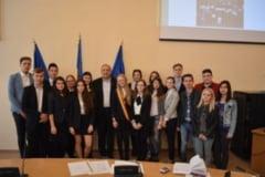 Consilierii de la Consiliul Local al Tinerilor au fost investiti