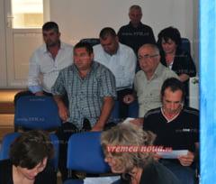"""Consilierii din Tacuta refuza taxa """"Buzatu"""""""