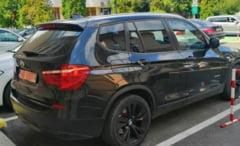 """Consilierul care a tradat USR PLUS la Iasi s-a prezentat la munca cu un BMW de 10.000 de euro: """"Mi l-au luat parintii"""""""