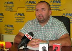 Consilierul judetean PNL, avocatul Narcis Sofianu, face misto de PSD: Liviu Dragnea a mutat toate institutiile deconcentrate din Arges. Sa ne rugam sa nu mute si Simfonia Lalelelor la Alexandria
