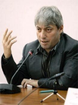 Consilierul premierului cere revocarea Avocatului Poporului