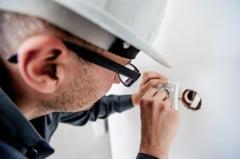 Consiliul Concurentei investigheaza activitatea de racordare la retelele de energie electrica si gaze naturale