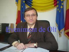 """Consiliul Judetean, """"urecheat"""" public de prefect pentru tentativa de fentare a legii"""