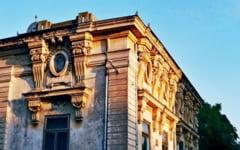 Consiliul Judetean Braila investeste peste 500 milioane lei vechi intr-un album foto care sa scoata in evidenta frumusetea cladirilor din centrul vechi al orasului