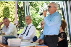 Consiliul Judetean Prahova gireaza o carte scrisa de fostul baron Mircea Cosma. Adrian Nastase, prezent si el la evenimentul de lansare a cartii