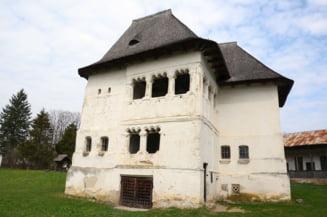 Consiliul Judetean Valcea va cumpara Cula Greceanu, cea mai veche constructie de acest gen din tara