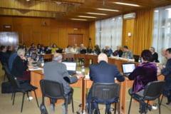 Consiliul Local Campina a redus impozitele pentru locuinte. Cele pe care le-a marit fara sa stie, pe 4 noiembrie