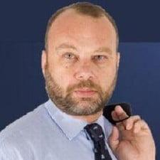 Iohannis alege un aparator de criminali pentru a-i fi consilier