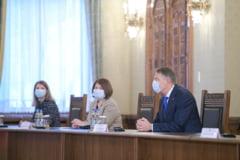 Consultarile de la Cotroceni pentru desemnarea premierului s-au incheiat. Klaus Iohannis va prezenta concluziile