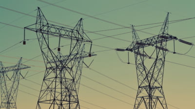 Consumul de energie electrică la nivelul populaţiei a crescut cu 8% faţă de anul trecut. Producţiile din energie solară şi eoliană sunt în scădere