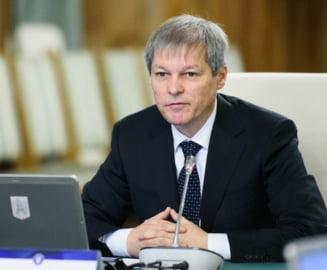 Continua curatenia in administratie: Premierul Dacian Ciolos a demis prefectii din Brasov si Sibiu