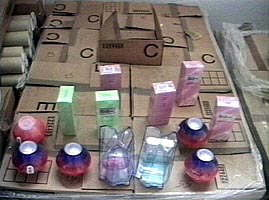 Contrabandistii audiati de DIICOT au traficat parfumuri in valoare de 8 milioane de euro (Video)