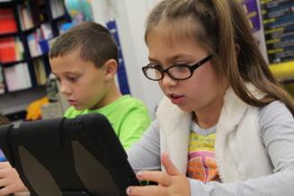 Contractul pentru 250.000 de tablete destinate elevilor ar putea fi semnat pana la sfarsitul lunii august. Turcan: Prioritate au zonele vulnerabile