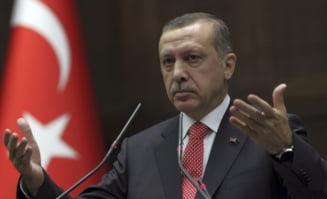 Convoaie militare ale Turciei se indreapta spre granita cu Siria