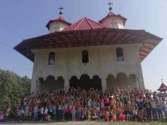Copii pusi sa faca matanii, la un festival din Salaj UPDATE Reactia Patriarhiei (Video)