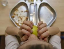 Copiii, victimele criza din Spania: mii de scolari sufera de malnutritie