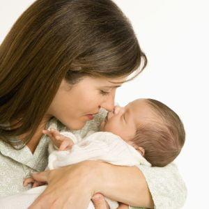 Copiii alaptati prea mult timp sufera de eczeme