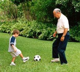 Copiii care nu stau cu bunicii, mai expusi riscurilor accidentelor