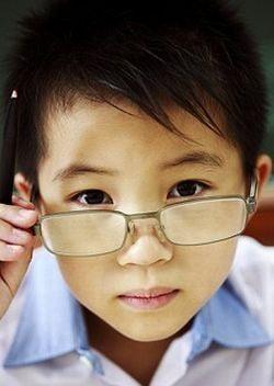 Copiii care se joaca afara, mai putin predispusi la miopie